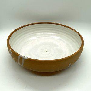 ART POTTERY Settle Red Stone Serving Bowl White